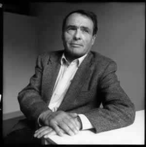 pierre bourdieu distinction a social French sociologist pierre bourdieu (1930–2002), developed the concepts of 'habitus' and cultural capital to explain the ways in which relationships of social inequality were reproduced through the education system.